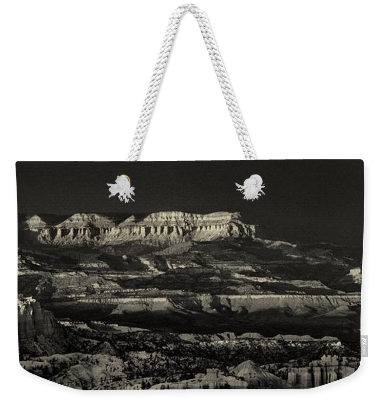 North America Weekender Tote Bag featuring the photograph Panorama Bryce Canyon Storm In Black And White by Dave Welling