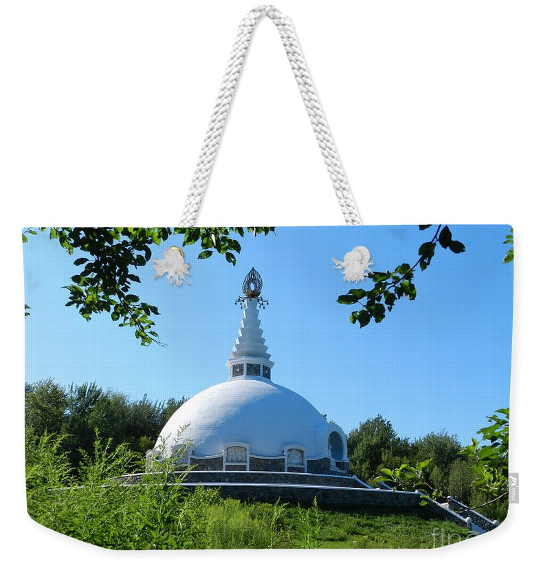 Parks Weekender Tote Bag featuring the photograph Peace Pogota by Jeffery L Bowers