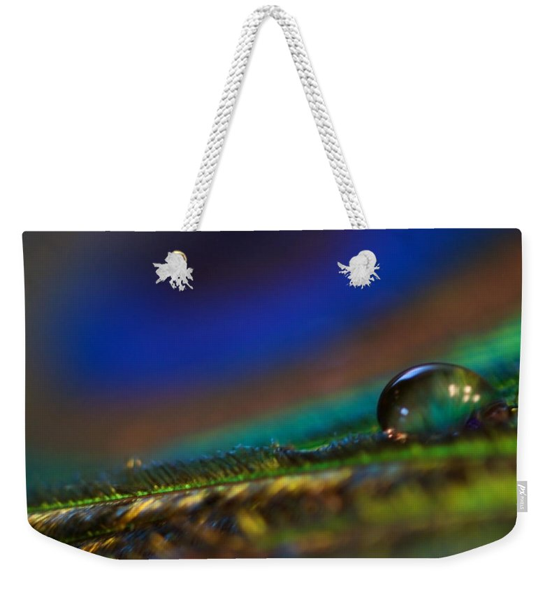 Lisa Knechtel Weekender Tote Bag featuring the photograph Peacock Drop by Lisa Knechtel