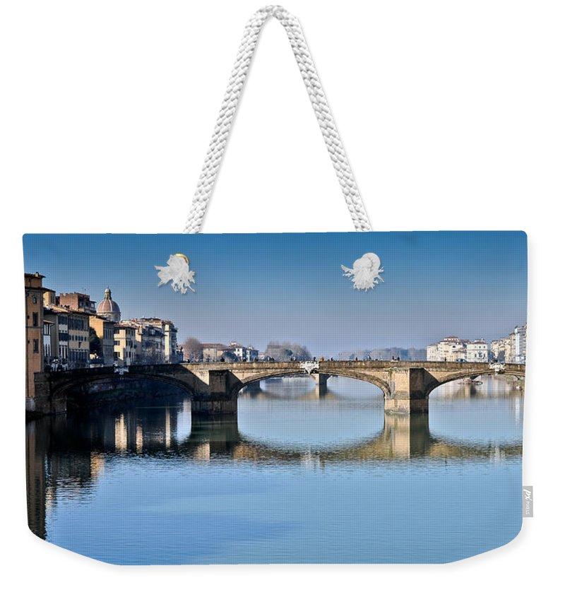 Arno Weekender Tote Bag featuring the photograph Ponte Santa Trinita Florence Italy by Gary Eason