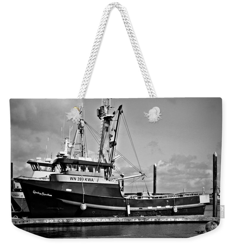 Qualay Squallum Bw Weekender Tote Bag featuring the photograph Qualay Squallum Bw by Chalet Roome-Rigdon