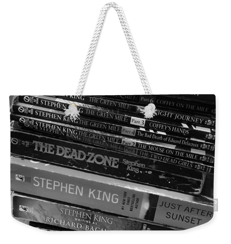 Read Weekender Tote Bag featuring the photograph Read by Melissa Coffield