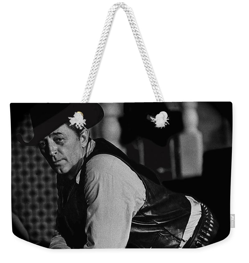 Robert Mitchum Young Billy Young Old Tucson Arizona Black And White Vignetted El Dorado Howard Hawks Christopher Mitchum Maureen O'hara Burt Kennedy Weekender Tote Bag featuring the photograph Robert Mitchum Young Billy Young Old Tucson Arizona 1968-2009 by David Lee Guss