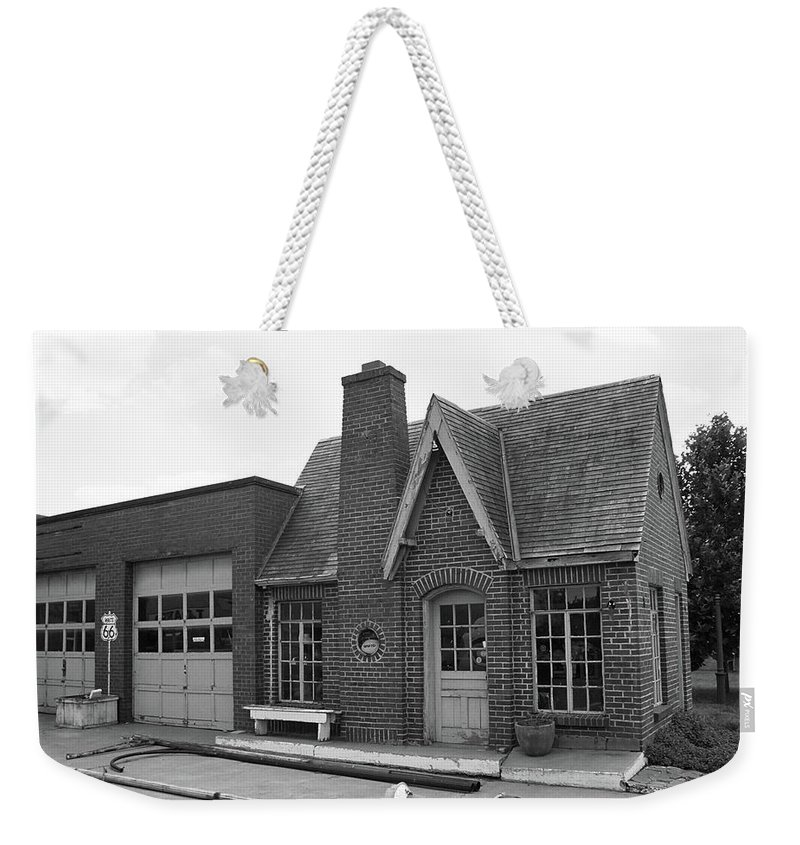 66 Weekender Tote Bag featuring the photograph Route 66 - Chandler Oklahoma Gas Station by Frank Romeo