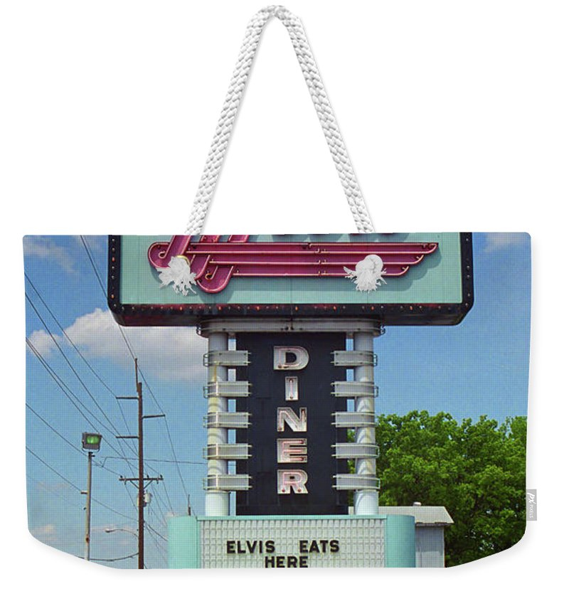66 Weekender Tote Bag featuring the photograph Route 66 - Metro Diner by Frank Romeo