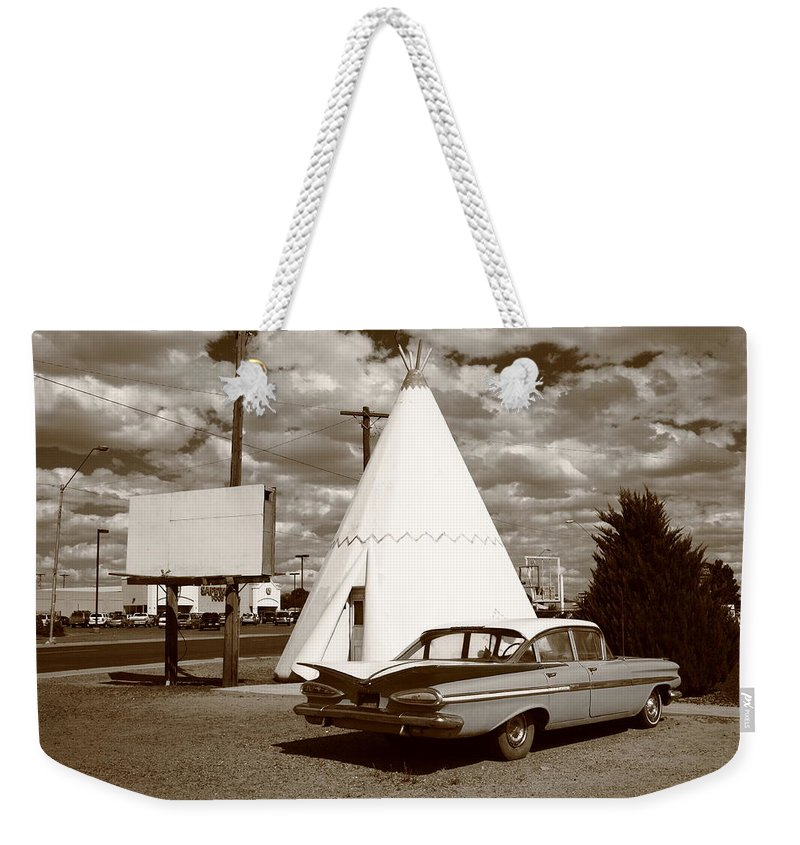 66 Weekender Tote Bag featuring the photograph Route 66 - Wigwam Motel 15 by Frank Romeo