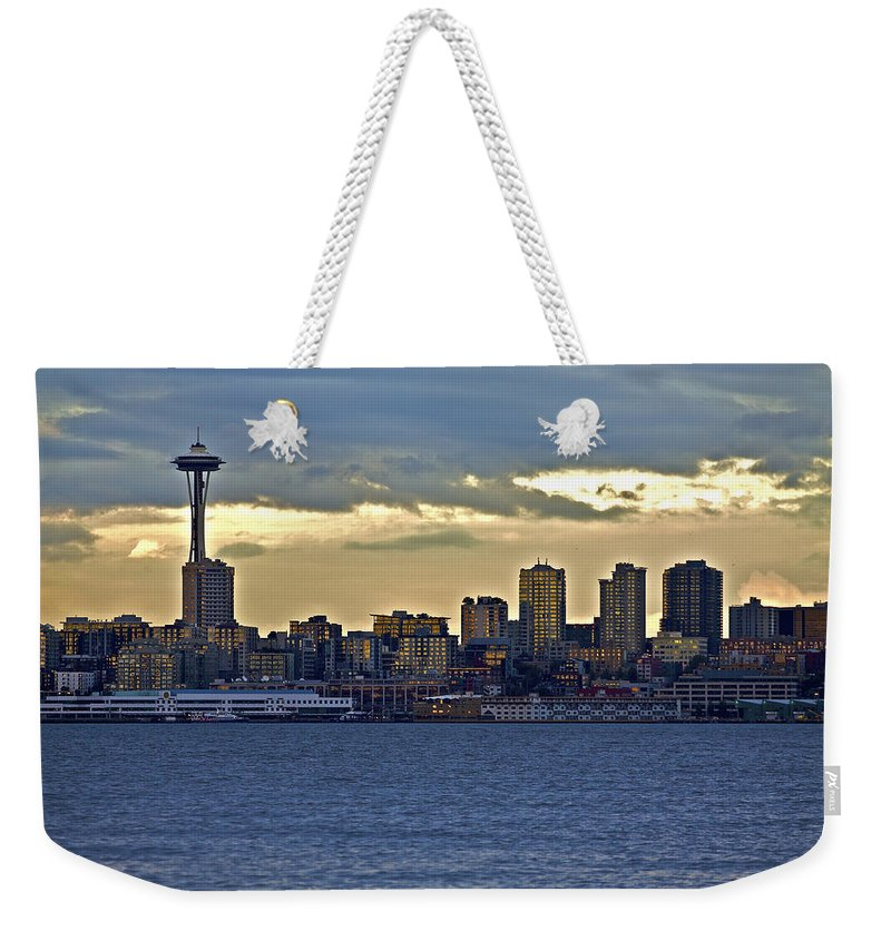 Sun Set Weekender Tote Bag featuring the photograph Seattle Skyline In Twilight by SC Heffner