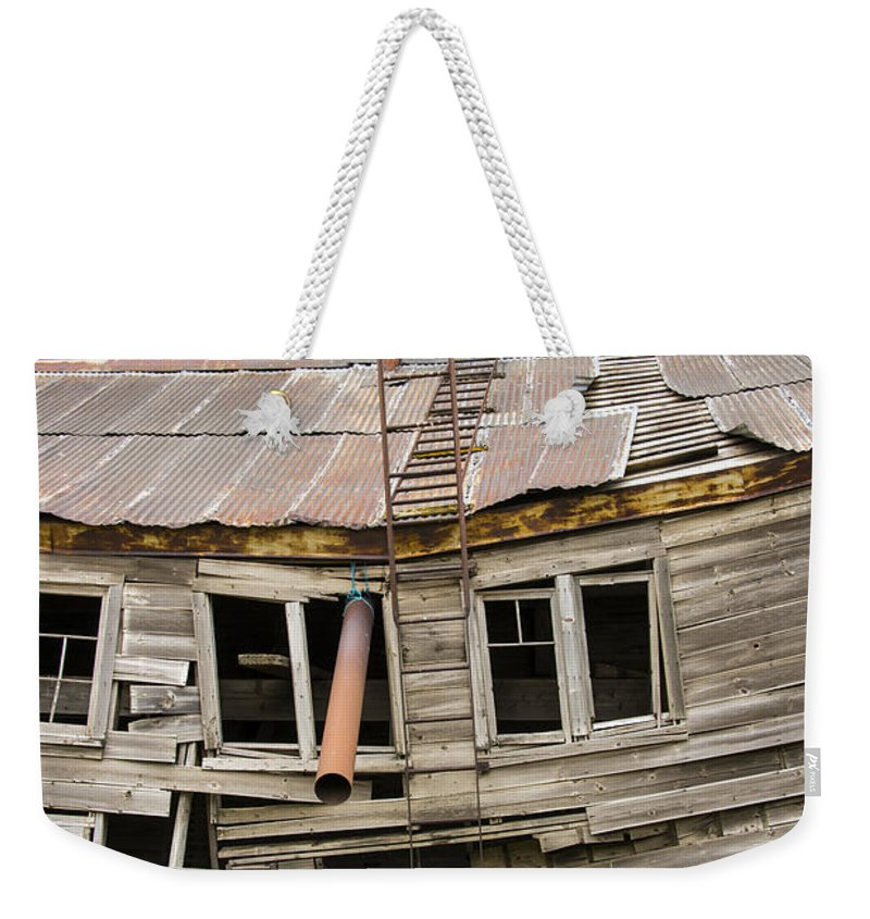 The Palouse Weekender Tote Bag featuring the photograph Seen Better Days by Bob Phillips