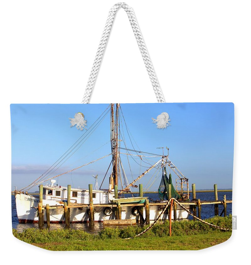 5661 Weekender Tote Bag featuring the photograph Senseless by Gordon Elwell