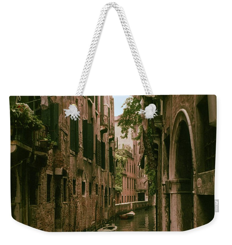Venice Canal Canals Building Buildings Boat Boats Dock Docks Structure Structures Architecture Water City Cities Cityscape Cityscapes Italy Weekender Tote Bag featuring the photograph Side Canal by Bob Phillips