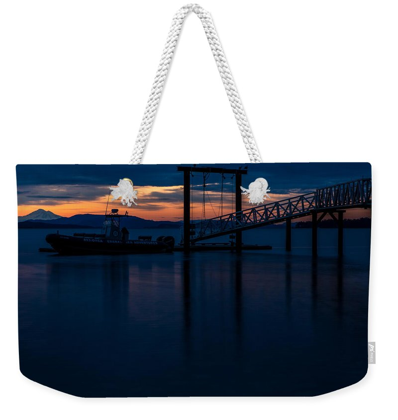 Sidney Weekender Tote Bag featuring the photograph Sidney Zodiak Sunrise by John Daly