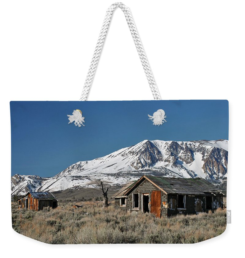 Sierra Nevada Mountains Weekender Tote Bag featuring the photograph Sierra Nevadas 19 by Jeff Brunton