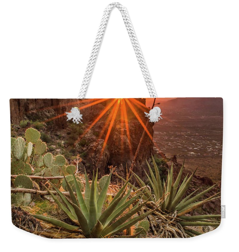 Tranquility Weekender Tote Bag featuring the photograph Siphon Draw Magic by J.t
