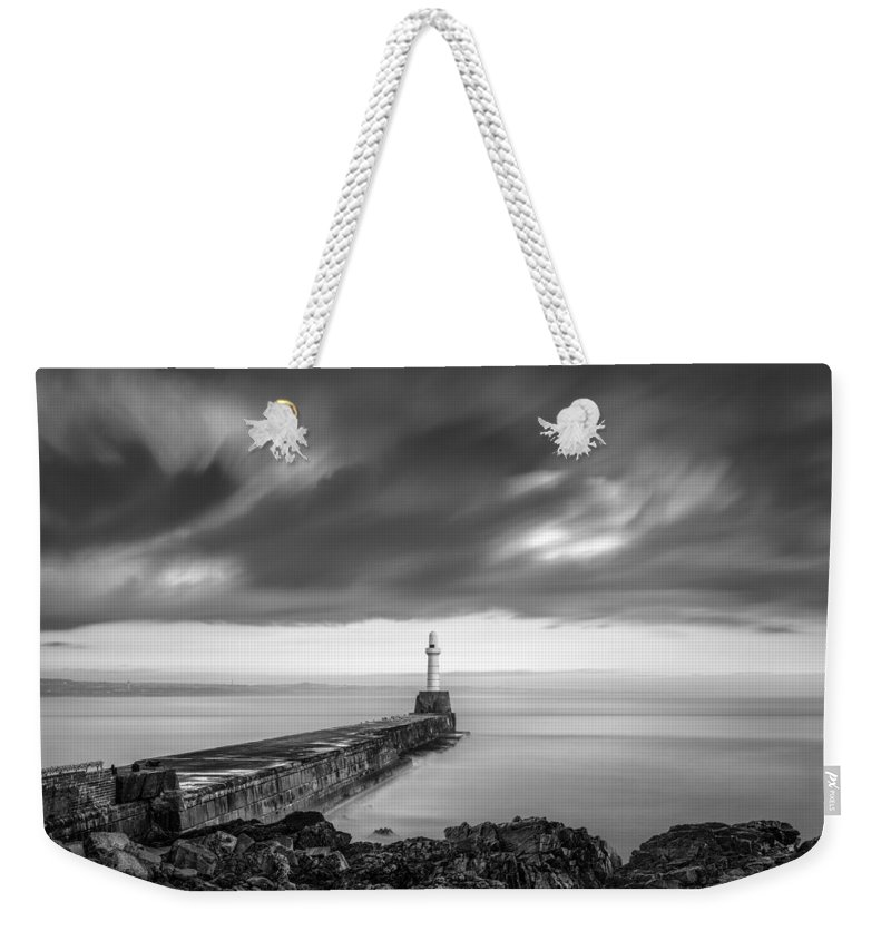 Aberdeen Weekender Tote Bag featuring the photograph South Pier 2 by Dave Bowman