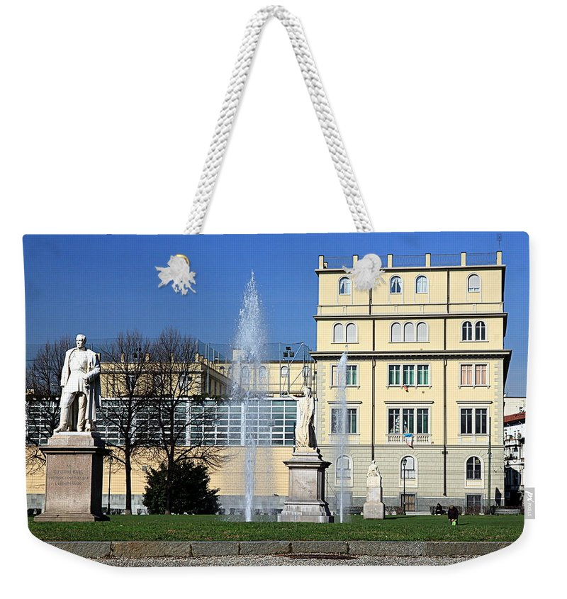 Square Weekender Tote Bag featuring the photograph Square And Statues by Valentino Visentini