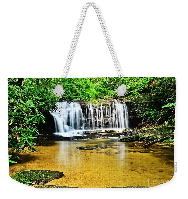 Travel Weekender Tote Bag featuring the photograph Summertime Refreshment by Elvis Vaughn