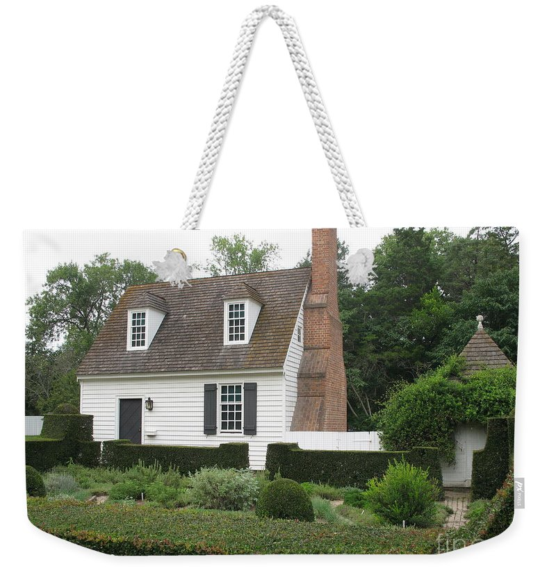 Clapboard House Weekender Tote Bag featuring the photograph Sweet Home In Colonial Williamsburg by Christiane Schulze Art And Photography