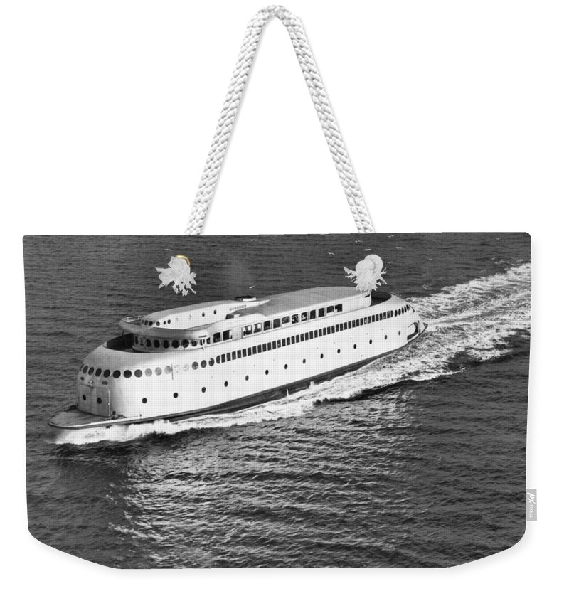 1930's Weekender Tote Bag featuring the photograph The Art Deco Ferry Kalakala by Underwood Archives