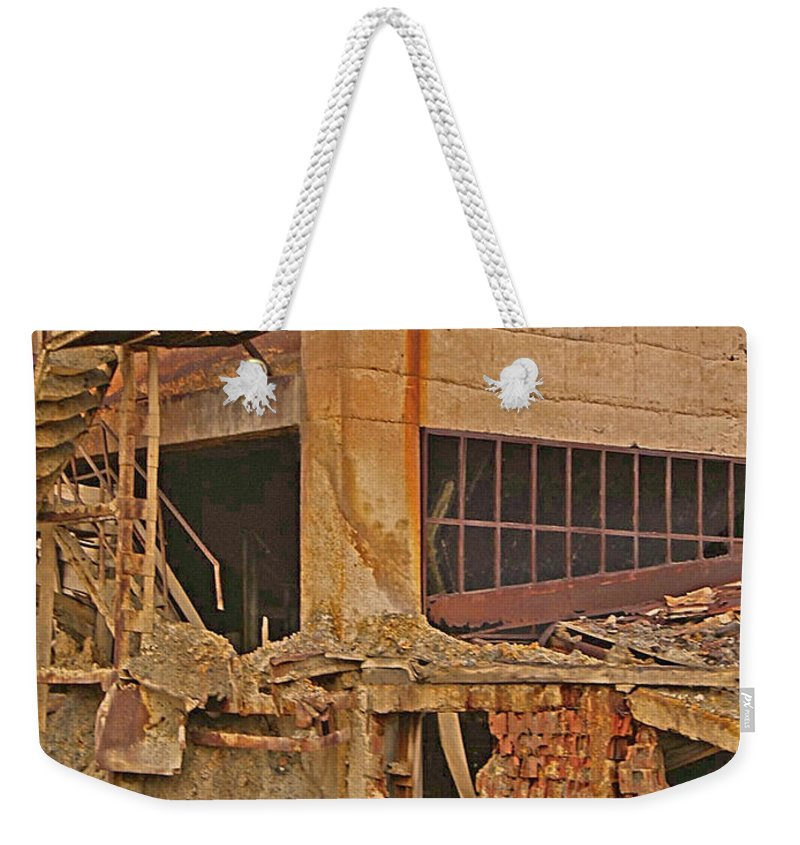 Red Rock Formations Weekender Tote Bag featuring the photograph The Catacombs by CR Leyland