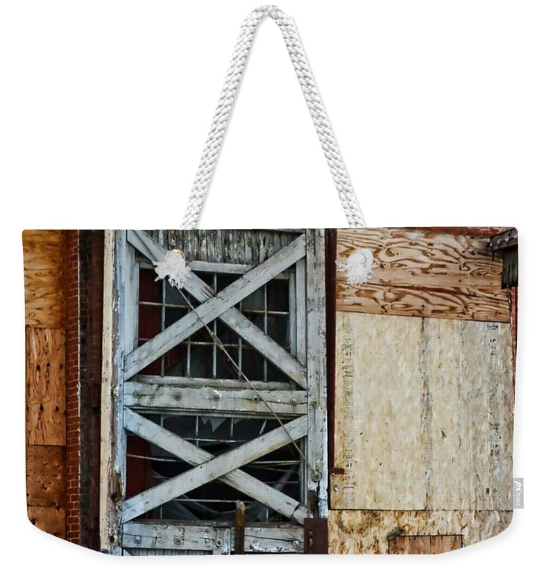 Evanston Weekender Tote Bag featuring the photograph The Roundhouse Evanston Wyoming - 2 by Ely Arsha