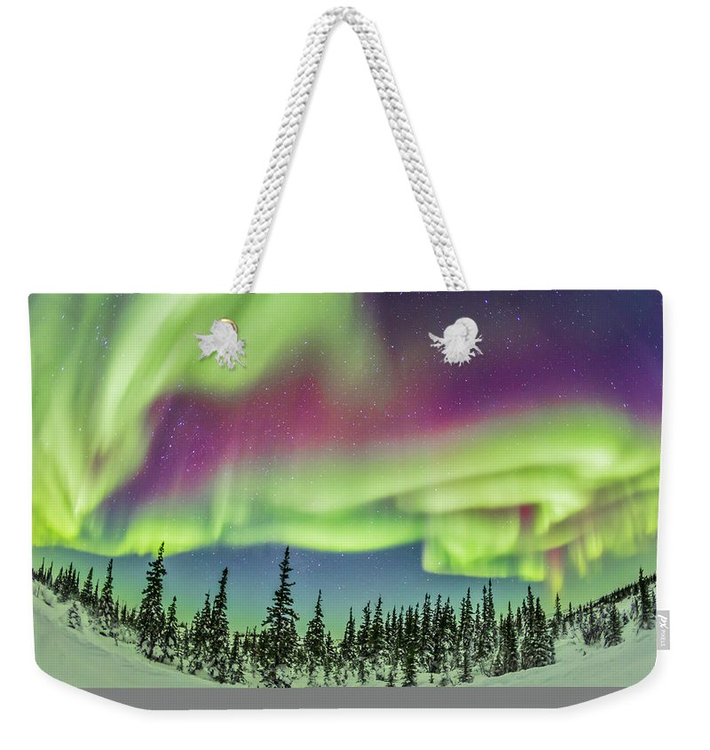 15mm Lens Weekender Tote Bag featuring the photograph Ultrawide Aurora 4 - Feb 21, 2015 by Alan Dyer