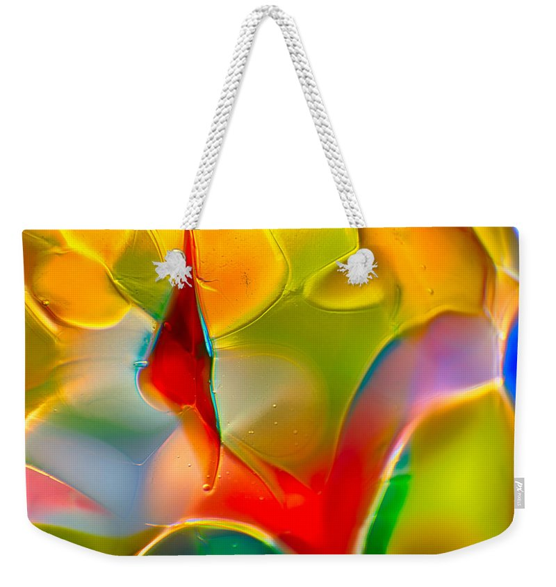 Glass Weekender Tote Bag featuring the photograph Underwater Welcome by Omaste Witkowski