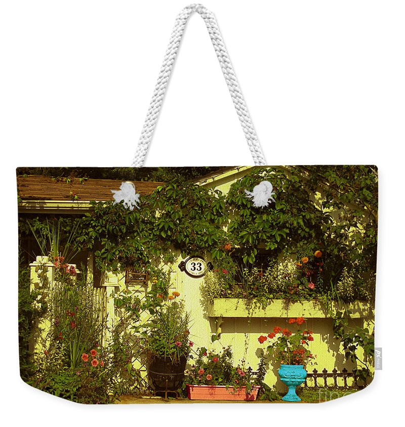Heritage Homes Weekender Tote Bag featuring the photograph Unionville Summer Home Circa 1880 by Nina Silver