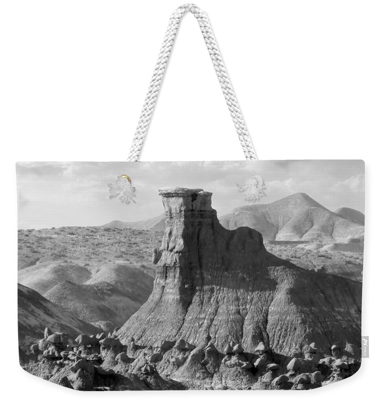 Landscape Weekender Tote Bag featuring the photograph Utah Outback 18 by Mike McGlothlen