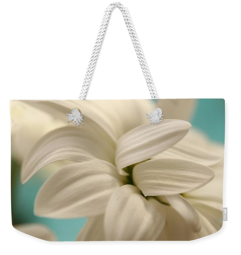 Chrysanthemum Weekender Tote Bag featuring the photograph Vanilla Whip by Connie Handscomb