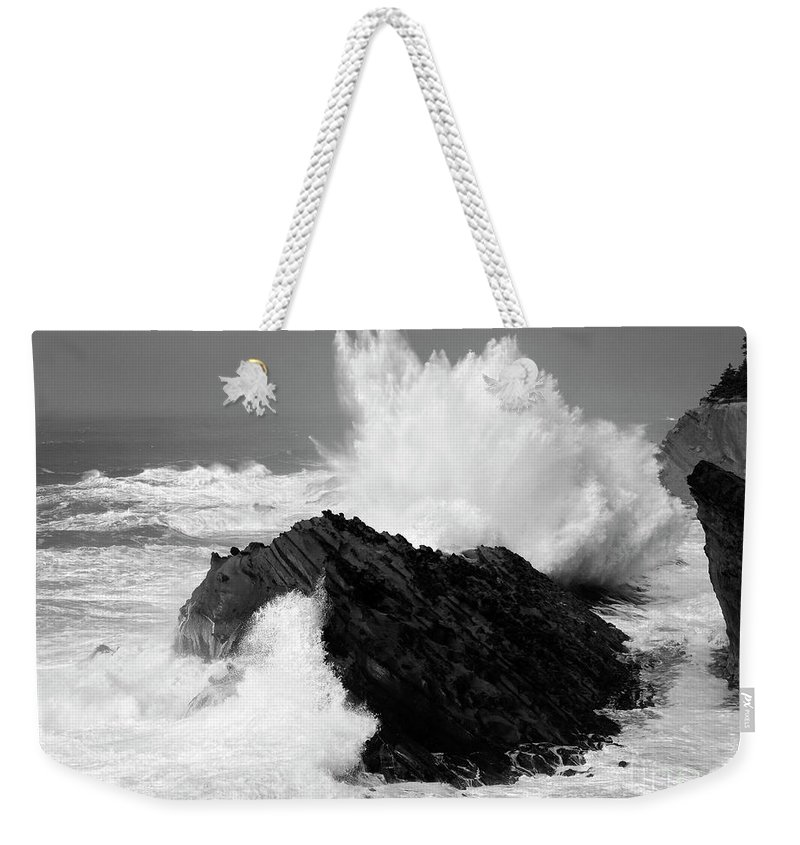 Lighthouse Weekender Tote Bag featuring the photograph Wave At Shore Acres Bw by Bob Christopher