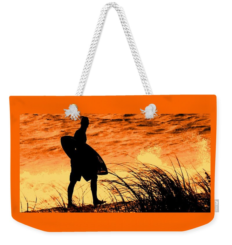 Florida Weekender Tote Bag featuring the photograph Wave Search by Ian MacDonald