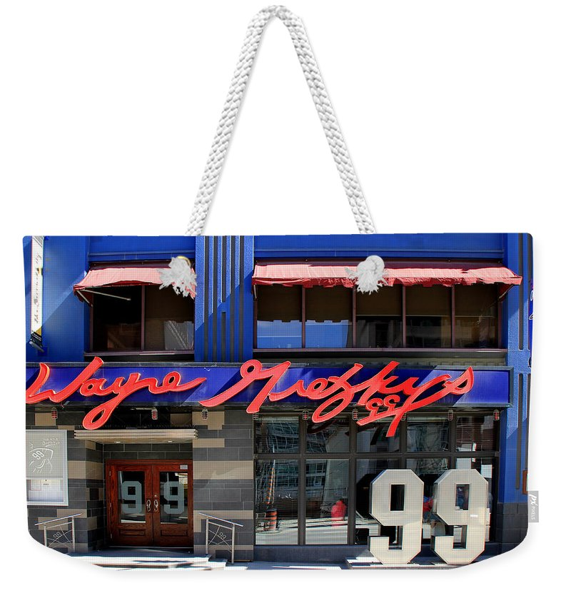 Wayne Gretzky Weekender Tote Bag featuring the photograph Wayne Gretzky by Andrew Fare