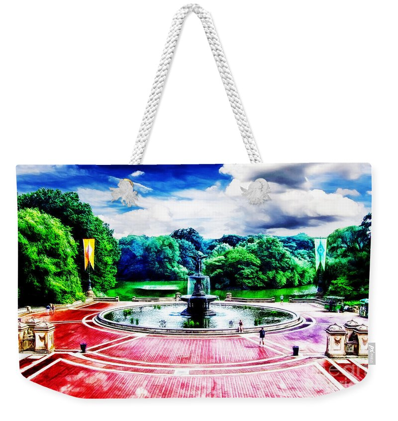 New York Landmarks Weekender Tote Bag featuring the photograph Wet Paint - Don't Touch by Nishanth Gopinathan