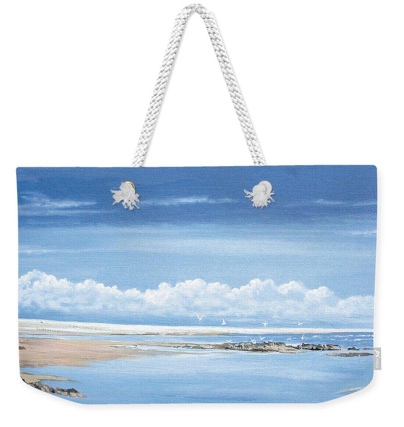 Steve Crisp Weekender Tote Bag featuring the photograph Winchelsea Gulls by Steve Crisp