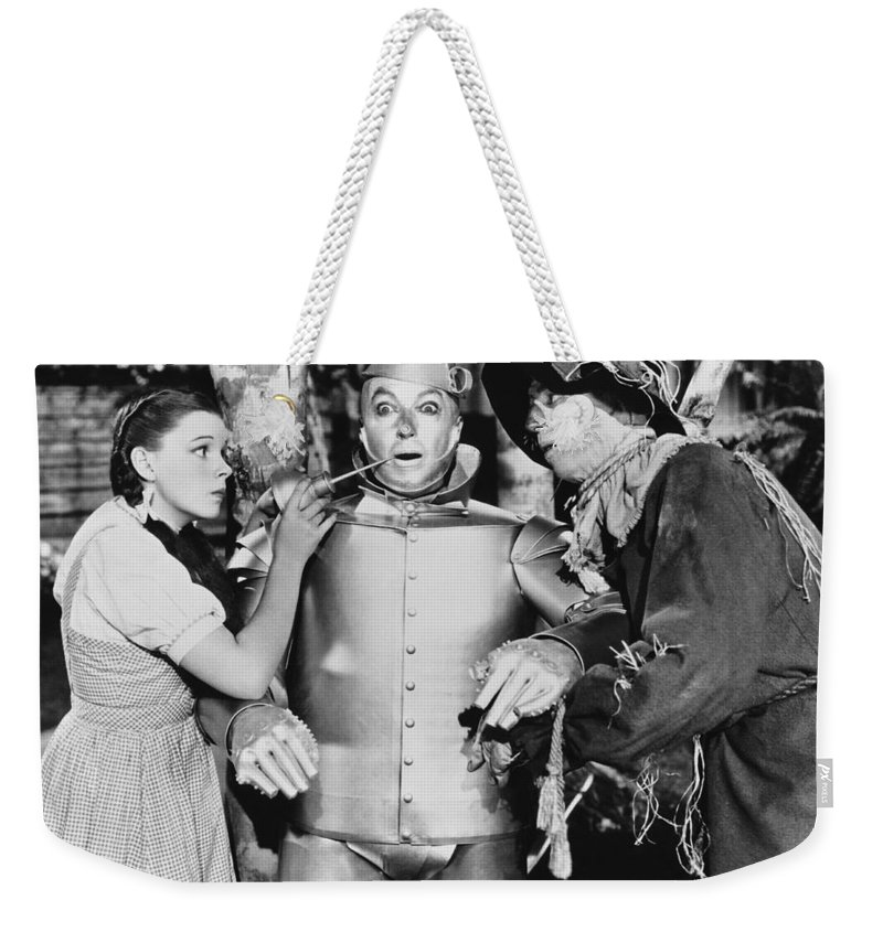 1930's Weekender Tote Bag featuring the photograph Wizard Of Oz by Underwood Archives