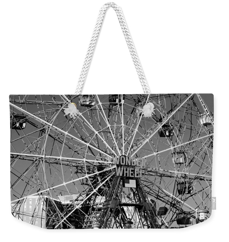 Brooklyn Weekender Tote Bag featuring the photograph Wonder Wheel Of Coney Island In Black And White by Rob Hans