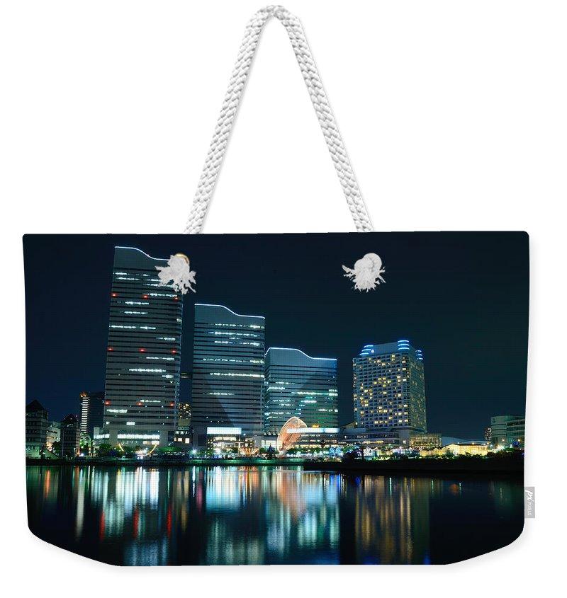 Minato Mirai Weekender Tote Bag featuring the photograph Yokohama Minato-mirai by Kaoru Hayashi
