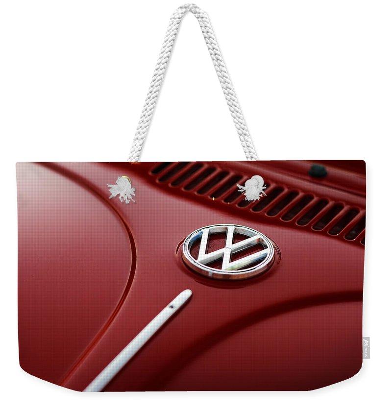 Vw Weekender Tote Bag featuring the photograph 1973 Volkswagen Beetle by Gordon Dean II