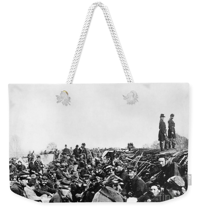 1864 Weekender Tote Bag featuring the photograph Civil War: Petersburg, 1864 by Granger