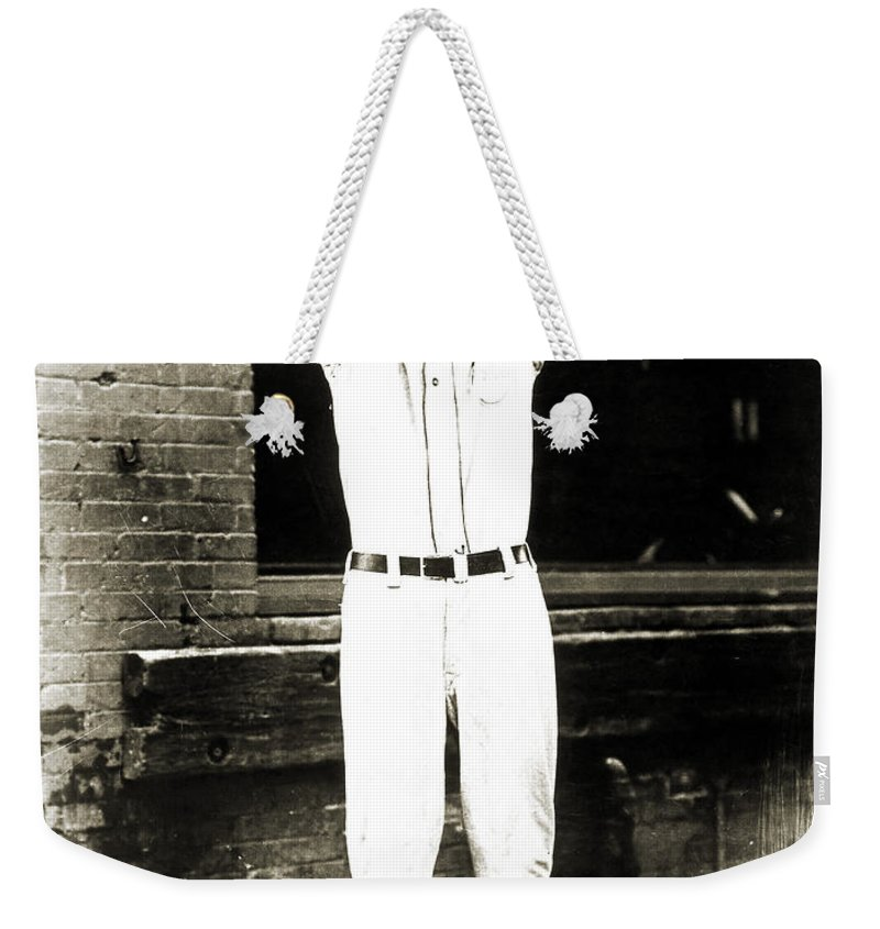 1920s Weekender Tote Bag featuring the photograph Dizzy Dean (1911-1974) by Granger