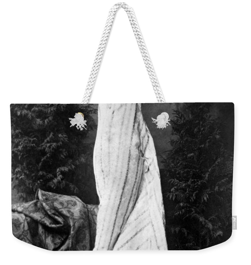 19th Century Weekender Tote Bag featuring the photograph Ellen Terry (1847-1928) by Granger
