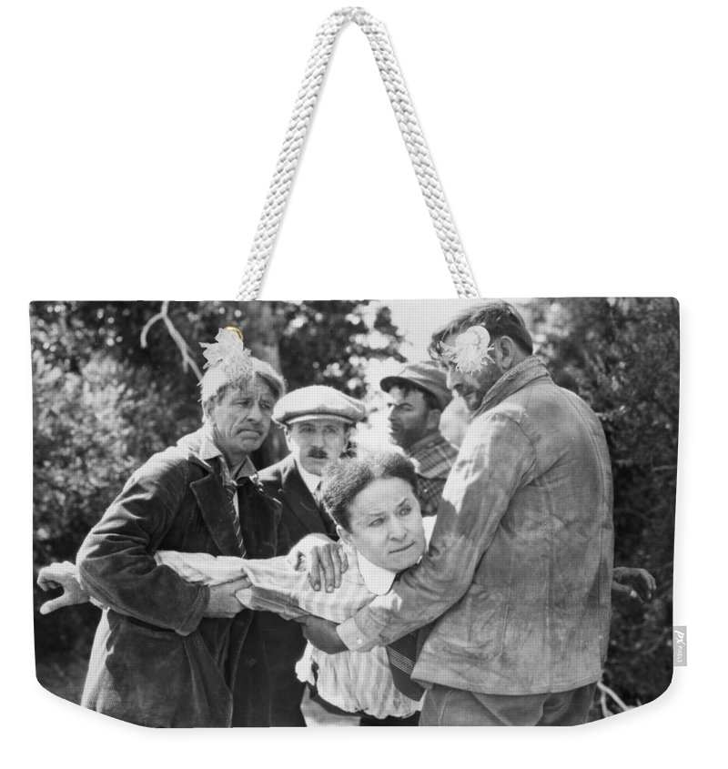 1919 Weekender Tote Bag featuring the photograph Harry Houdini (1874-1926) by Granger
