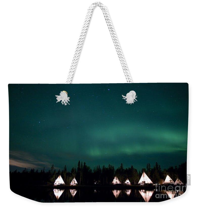 Aurora Lake Weekender Tote Bag featuring the photograph Aurora Above Aurora Village, Aurora by Yuichi Takasaka