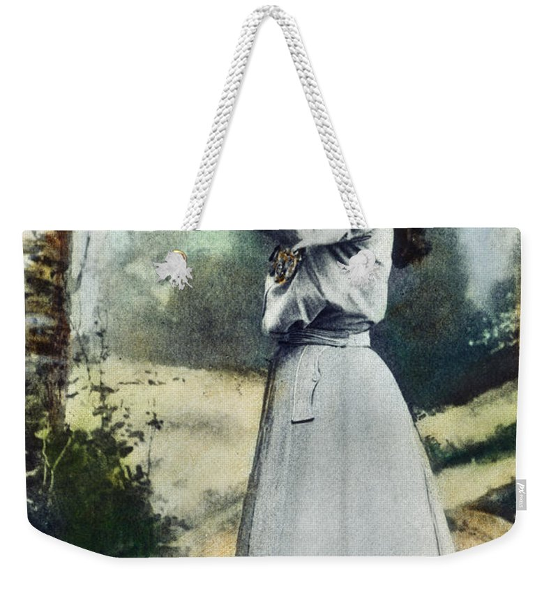 1899 Weekender Tote Bag featuring the photograph Annie Oakley (1860-1926) by Granger
