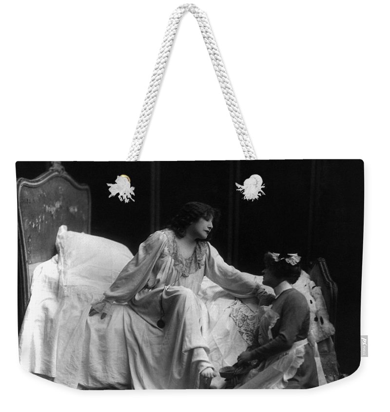 1885 Weekender Tote Bag featuring the photograph Sarah Bernhardt (1844-1923) by Granger