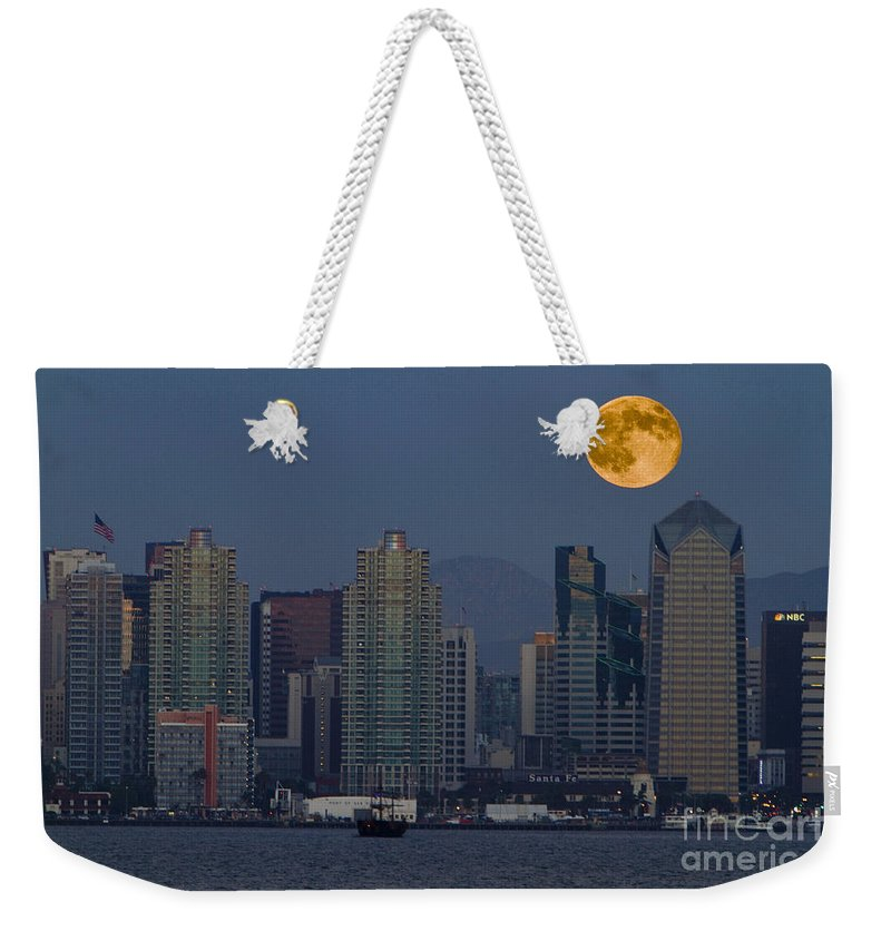 Blue Weekender Tote Bag featuring the photograph 7995 by Daniel Knighton