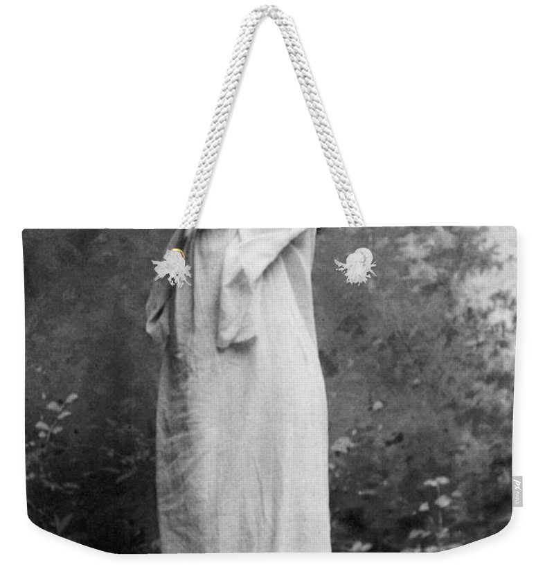 1896 Weekender Tote Bag featuring the photograph Sarah Bernhardt (1844-1923) by Granger