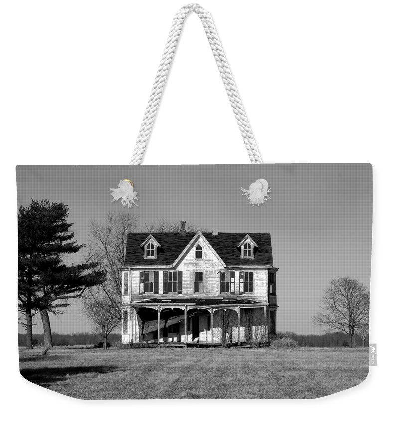 Farmhouse Weekender Tote Bag featuring the photograph Abandoned IIi by Richard Ortolano