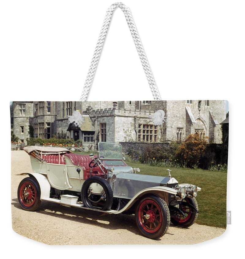 1909 Weekender Tote Bag featuring the photograph Auto: Rolls-royce, 1909 by Granger