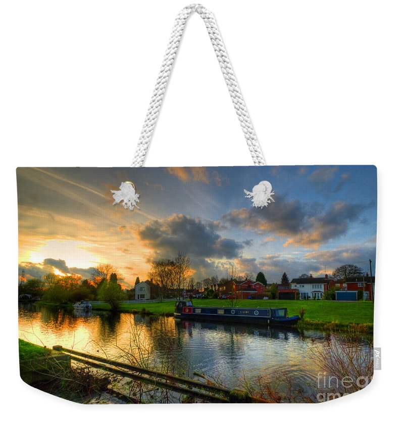 Hdr Weekender Tote Bag featuring the photograph Barrow Sunset by Yhun Suarez
